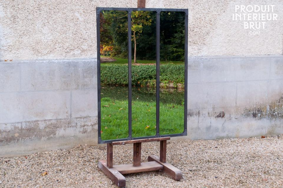 Idée P.I.B. : « ouvrir » sur un mur nu, une « fenêtre » sur la verdure avec un miroir industriel…
