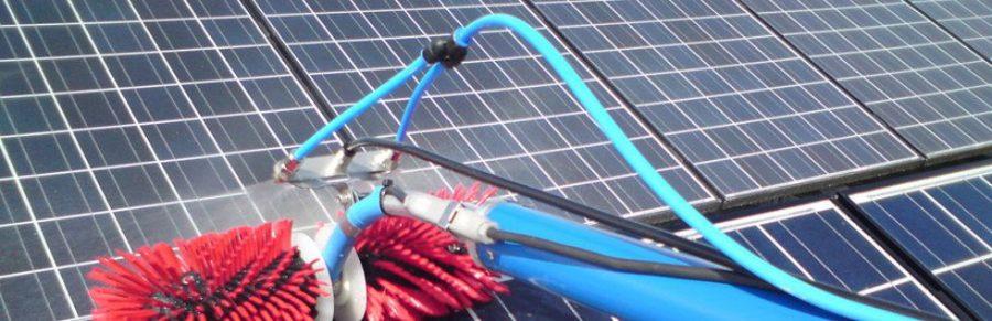 Matériel de nettoyage de panneau photovoltaïque utilisé par Clean Progress